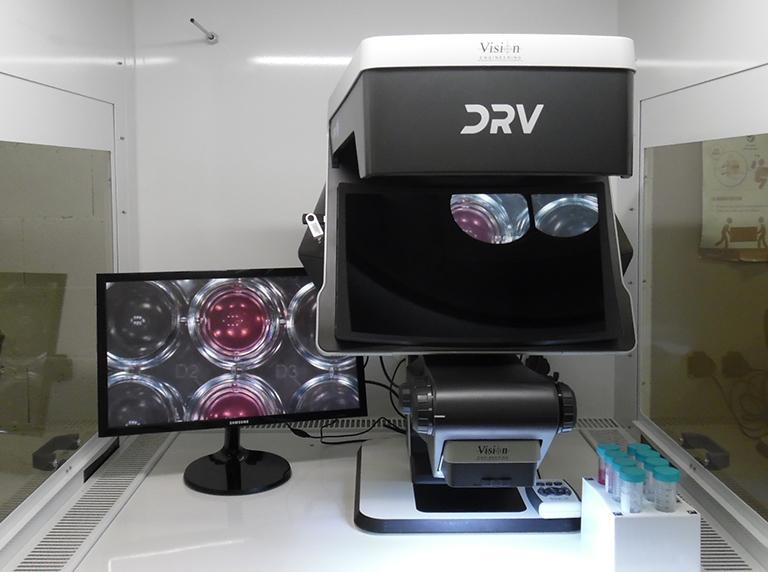 03-DRV-Z1-biomedical-application-inside-laminar-flow-cabinet